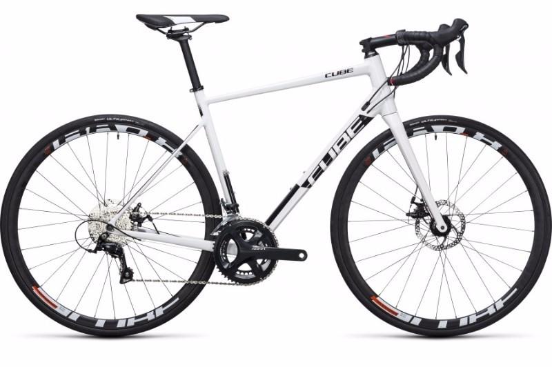 Vélo de Course CUBE attain Pro Disc